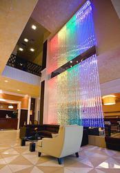 Водопад по стеклу,  водно-пузырьковая панель,  декоративный водопад